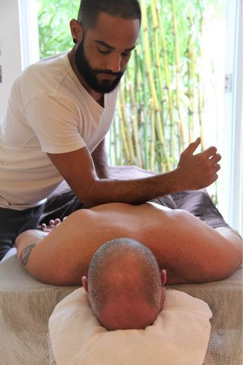 Therapeutic Massage <i>by Luis</i>