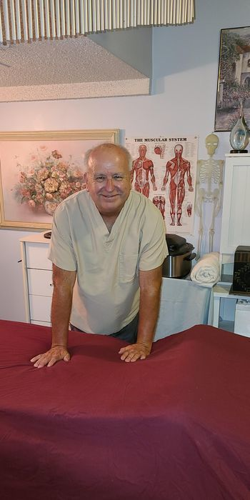 Expert Massage <i>by Wayne</i>