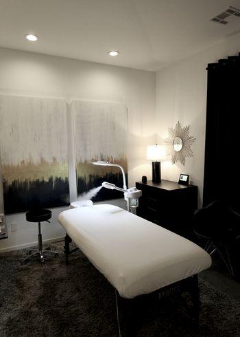Sports Massage <i>by Ridge</i>