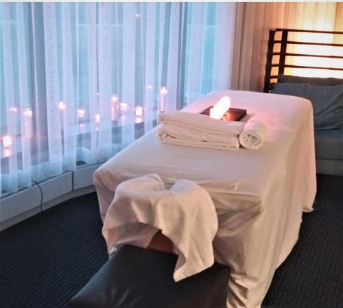 Massage by Zander